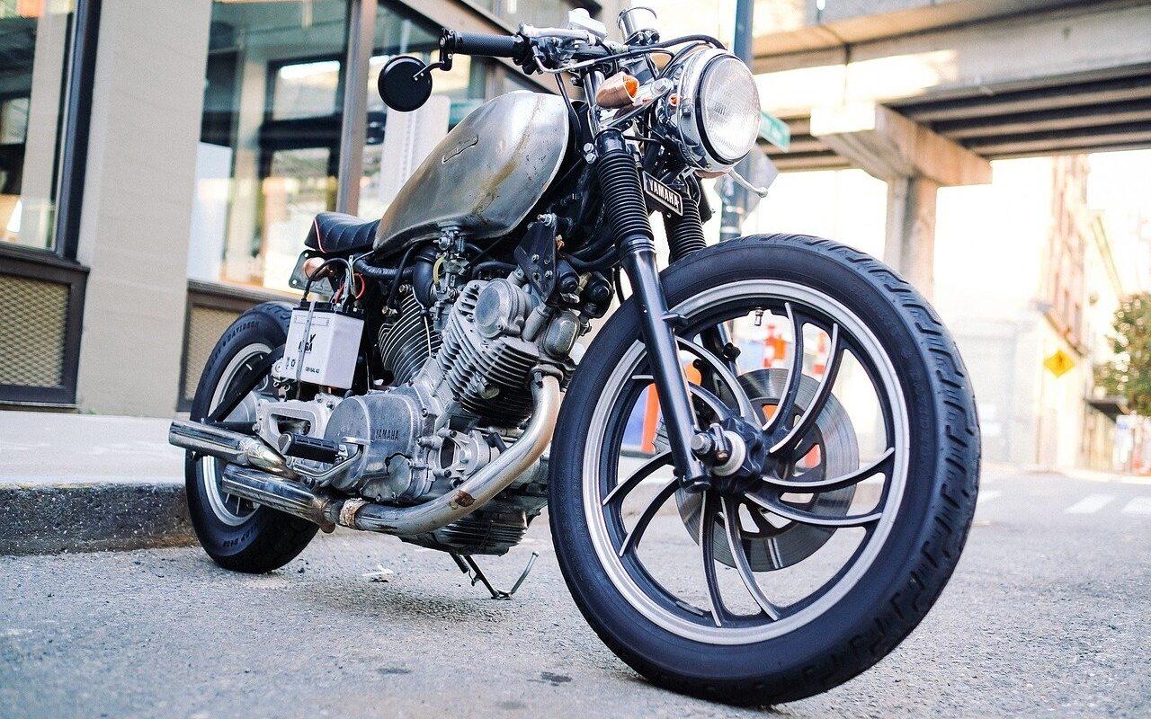Motorrad in schwarz - nach einem Motorrad Gutachten
